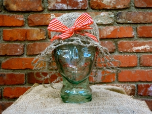 Nettle Hat Bow front